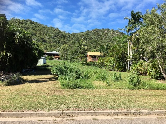 15 Bay Vista Ct, Horseshoe Bay QLD 4819