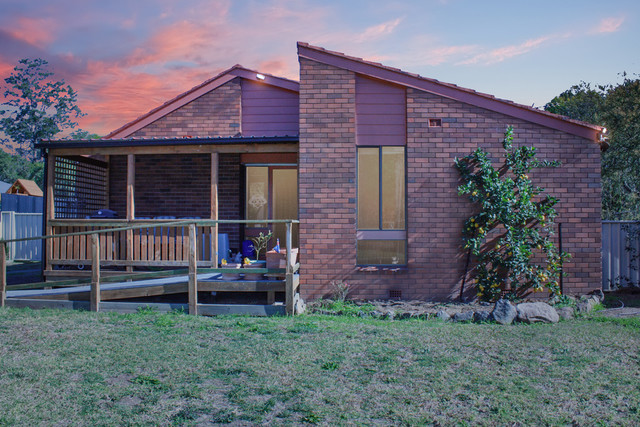 2 Albergeldie Street, NSW 2541