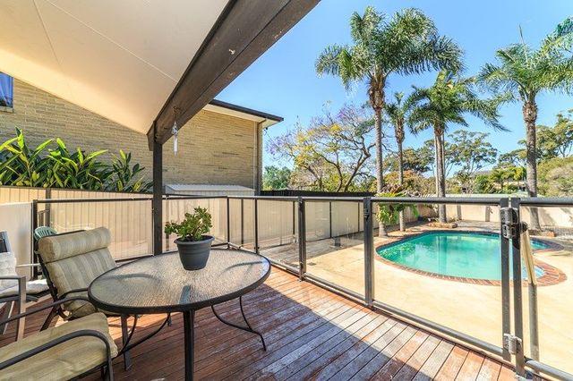 4 Sun Valley Drive, Ashmore QLD 4214