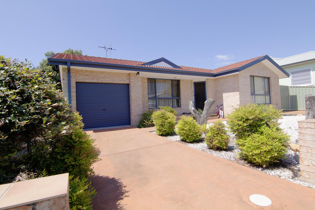 13a Cornwall Lane, Taree NSW 2430