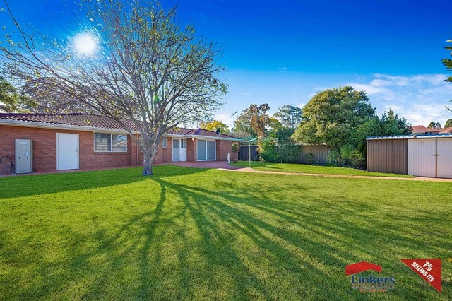12 Croton Place, Macquarie Fields NSW 2564