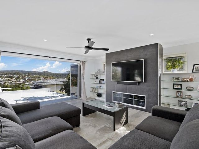 28 Angourie Crescent, Pacific Pines QLD 4211