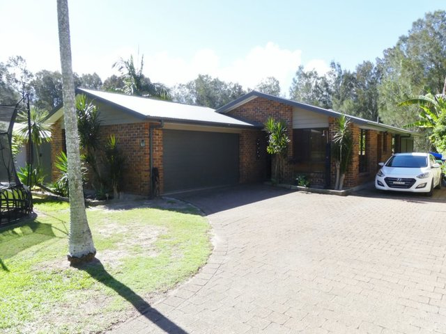 12 Seabreeze Parade, Green Point NSW 2428
