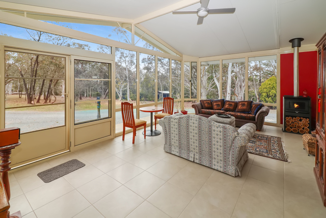 353 Weeroona Drive, Wamboin NSW 2620