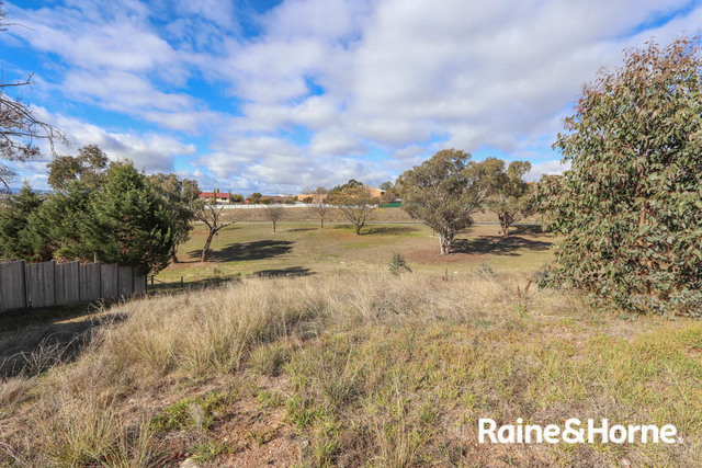 8 Red Gum Place, NSW 2795