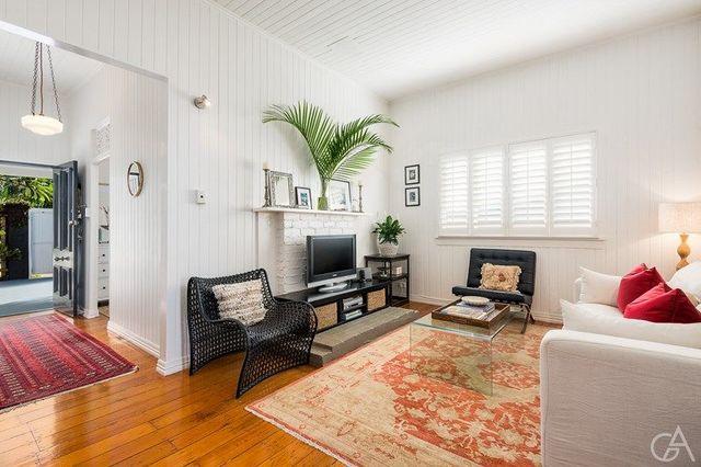 22 Upper Cairns Terrace, QLD 4064