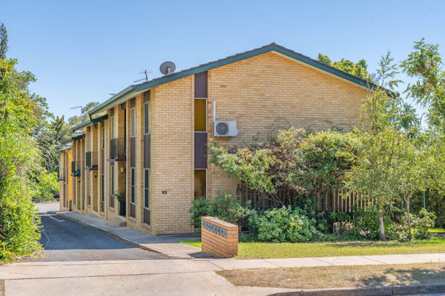 2/95 Brown Street, NSW 2350