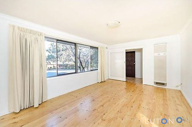 12 Dennes Place, Lyons ACT 2606
