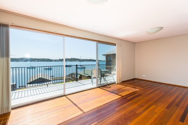 105 Fishing Point Road, Fishing Point NSW 2283