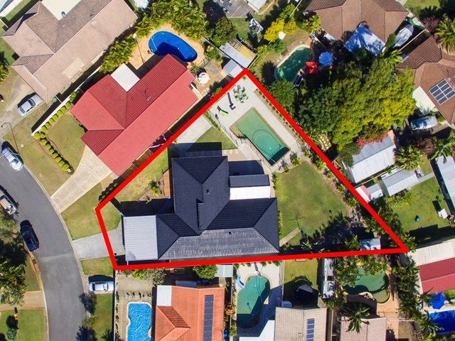 18 Carnegie Court, Coombabah QLD 4216