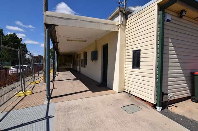 27 Vale Road, Bathurst NSW 2795