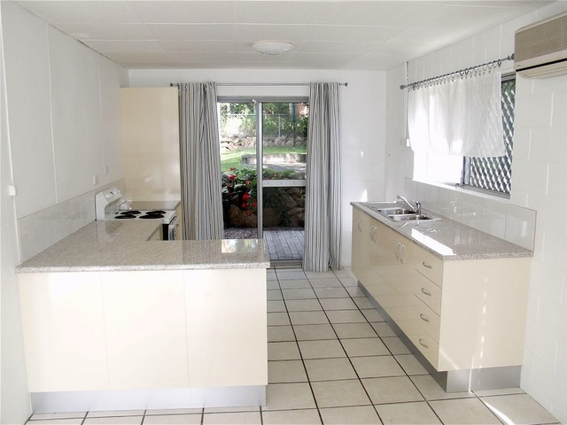 39 Tenth Avenue, Coorparoo QLD 4151