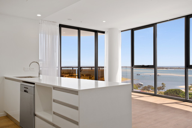 Broadwater Luxury Apartments