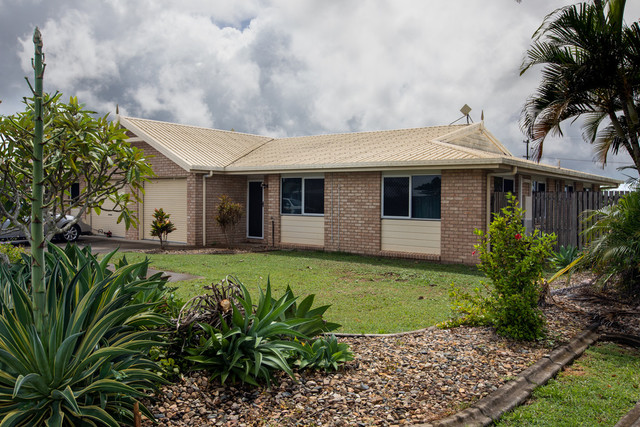 1/8-10 Gardenia Street, QLD 4800
