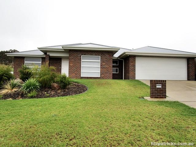 1 Glenrock Close, Bourkelands NSW 2650