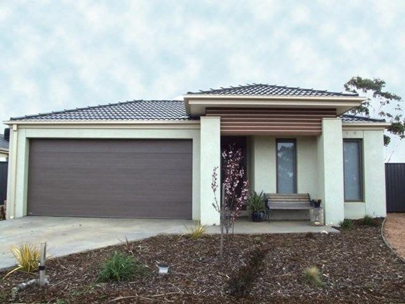 70 Lakewood Blvd, Melton VIC 3337