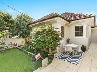 1/70 Gipps Road