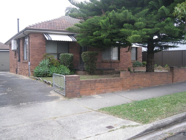 17 Kingsland Road, NSW 2141