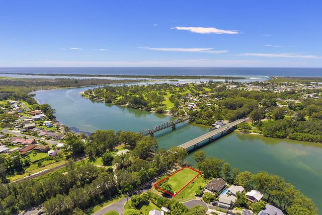 8 Dolphin Court, Urunga NSW 2455
