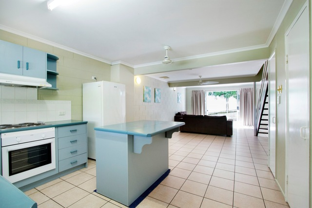 3/5 Eshelby Drive, Cannonvale QLD 4802