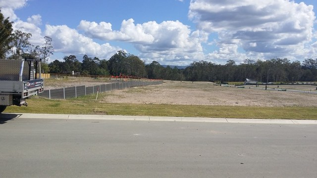 1 Oakey Flat Road, Morayfield QLD 4506