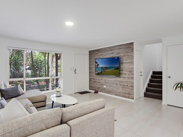 11/18 Bottlewood Court, Burleigh Waters QLD 4220