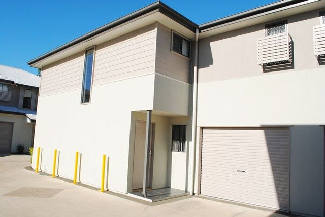 2/63 Lower King Street, Caboolture QLD 4510