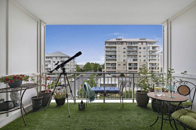411/10-16 Vineyard Way, Breakfast Point NSW 2137