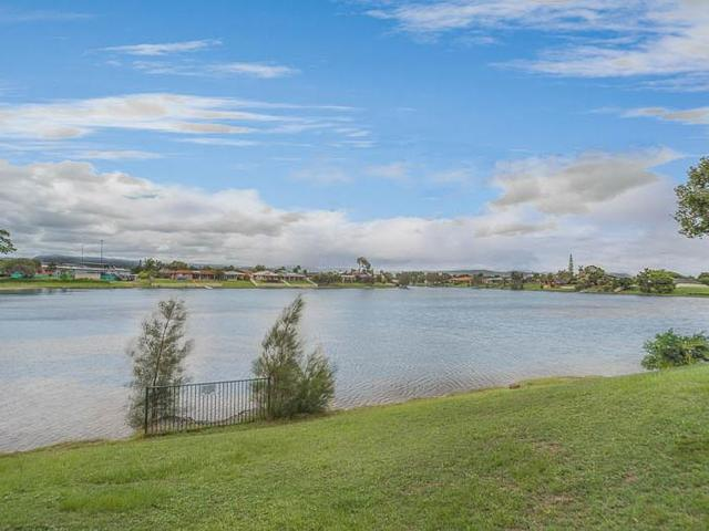 12/22-24 Barbet Place, Burleigh Waters QLD 4220