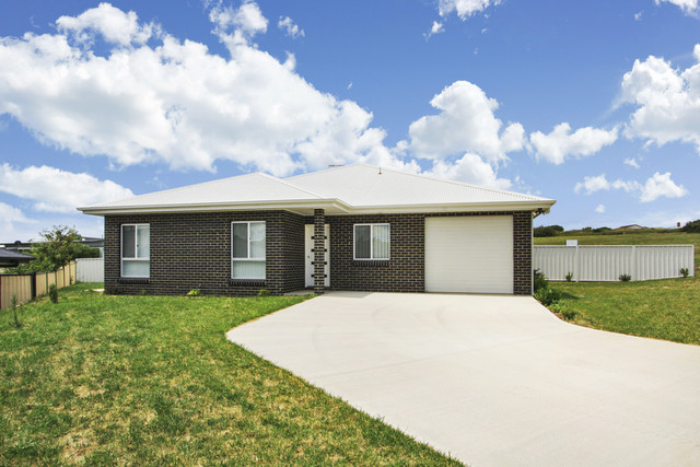 23 and 24 23 Monaro Ave And 24 East Camp Drive, Cooma NSW 2630