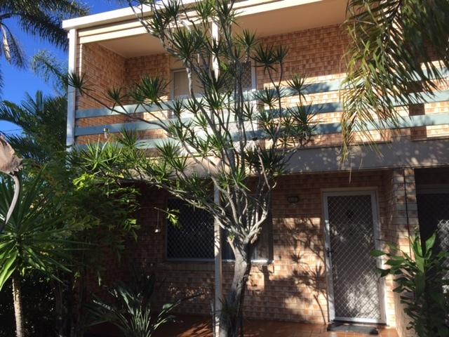 1/3 King Street, Urangan QLD 4655