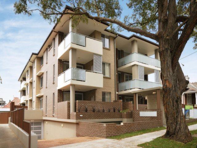 1/8-10 Bembridge  Street, Carlton NSW 2218