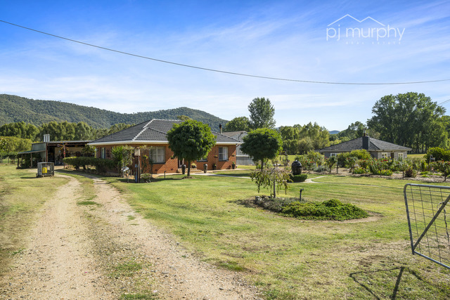 5564 Great Alpine Road, Ovens VIC 3738
