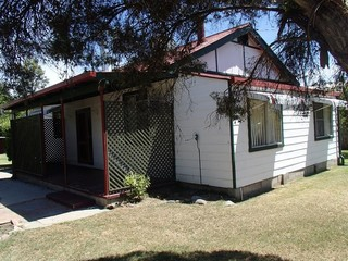 6 Border Street Wallangarra QLD 4383