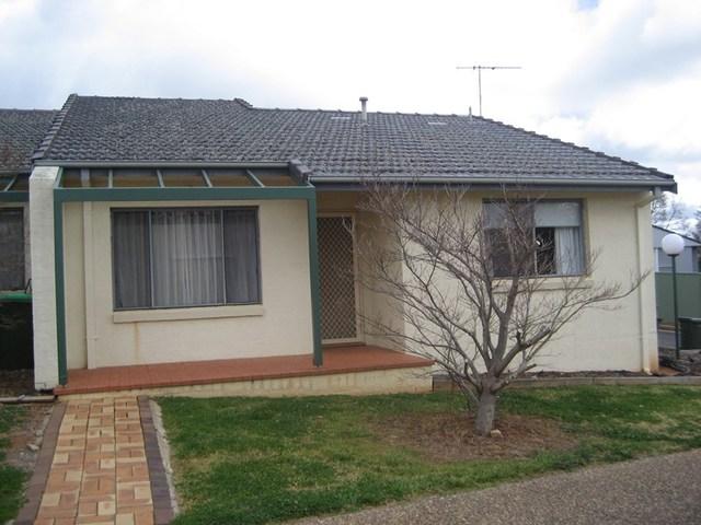 1/2 Old Barracks Lane, Young NSW 2594