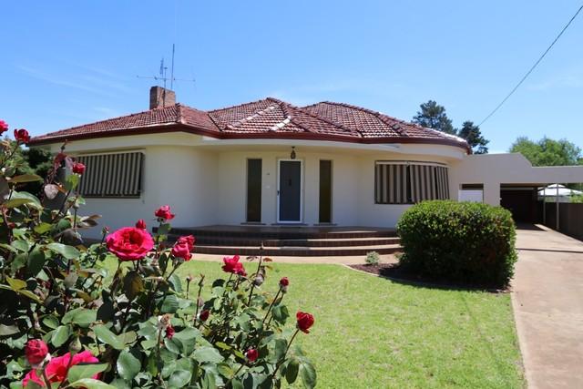 18 Ashton Street, Ariah Park NSW 2665