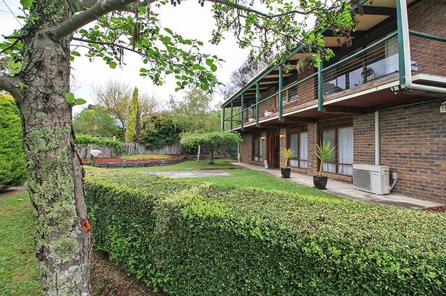 6 Arnold Court, Woodend VIC 3442