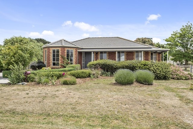 9 Gwen Place, Lancefield VIC 3435