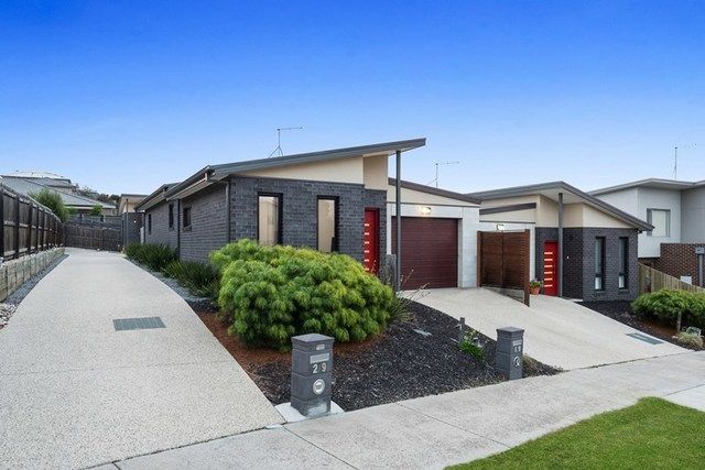 9A, 1 & 2/9 Nedlands Drive, Highton VIC 3216