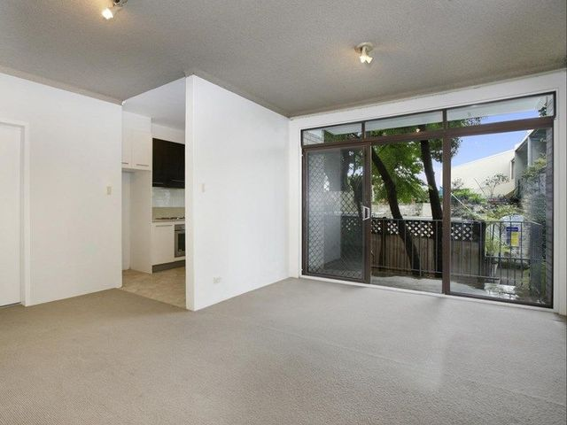 12/77-85 Hereford Road, NSW 2037