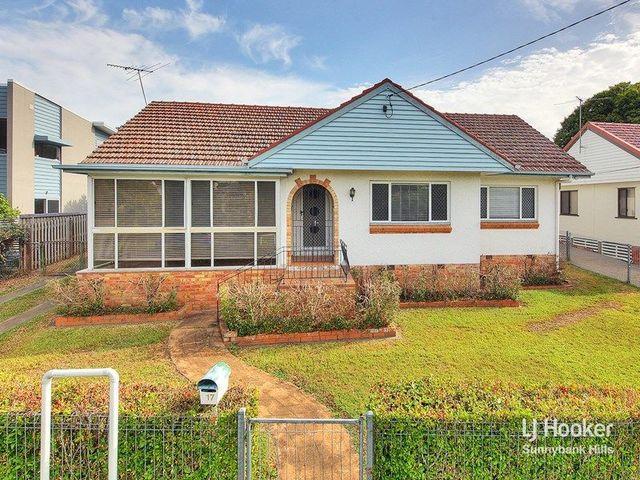 17 Taylor Street, QLD 4012
