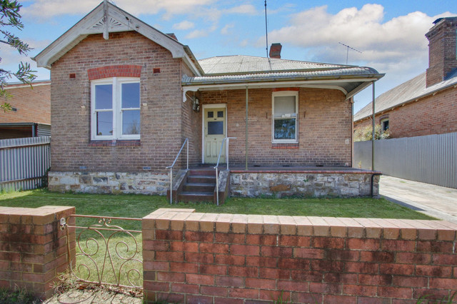11 Walker Street, Goulburn NSW 2580