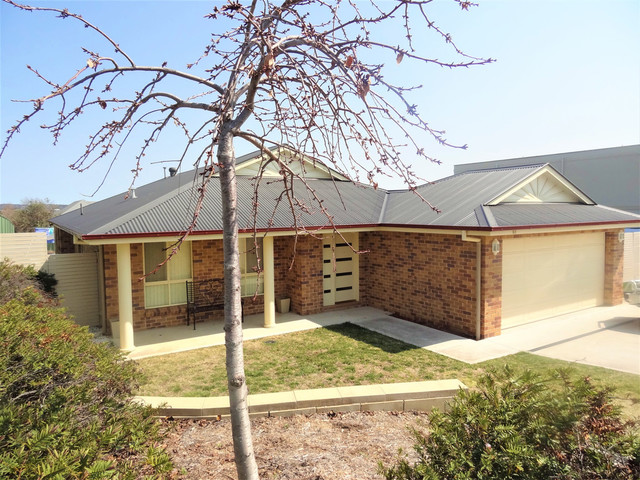 64 Ilumba Way, Kelso NSW 2795