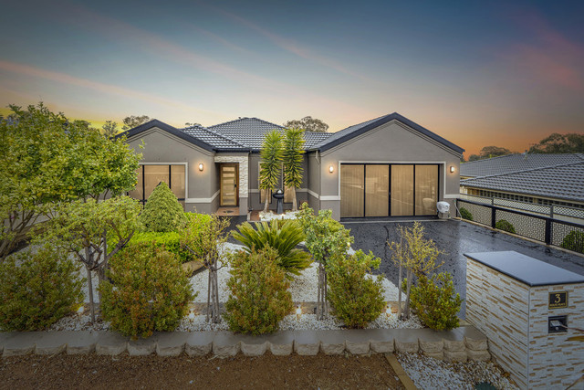 3 Rolfe Place, Queanbeyan West NSW 2620