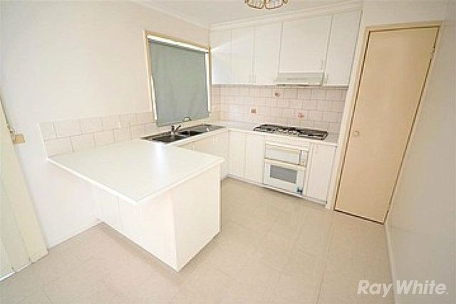 2/6 Jeanette Court, VIC 3170