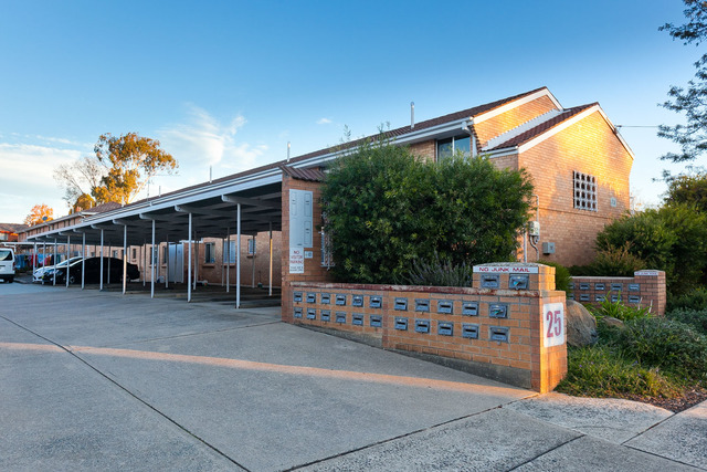 19/25 Macquoid Street, Queanbeyan East NSW 2620