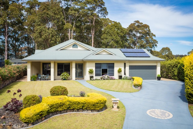 44 Dawn Parade, Kianga NSW 2546