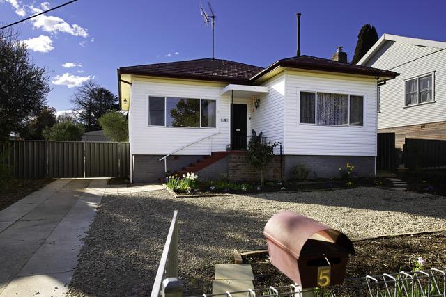 5 Polding Street, Yass NSW 2582