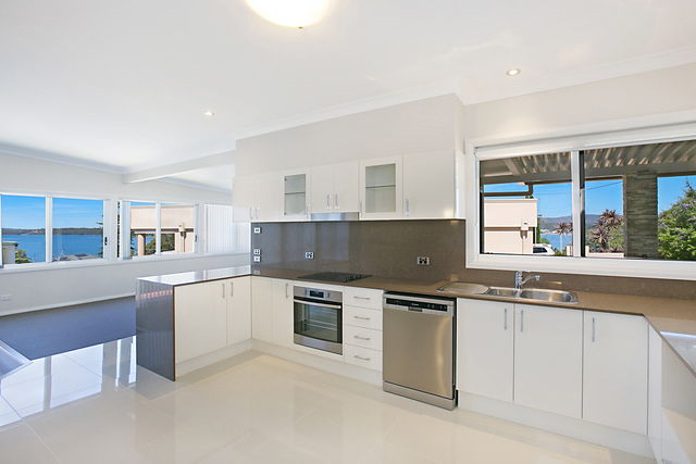 62 Thompson Road, Speers Point NSW 2284