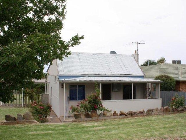 6 Prince Street, Junee NSW 2663